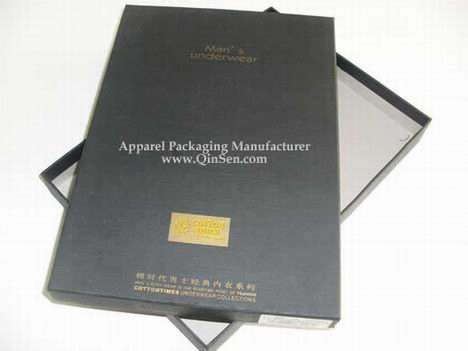 Custom Made Rigid Cardboard Box with Golden Hot stamped Logo for Luxury Man Underwear