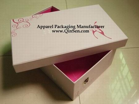 Custom branded Shoe Box with Pink design for women's shoe