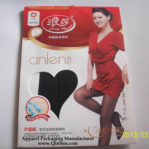 Customized Silk Stockings Packaging with heart window design